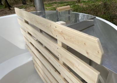 detail bain nordique pure par nordikspa en mélèze
